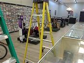 WERNER LADDER Ladder 6FT STEP FIBERGLASS LADDER